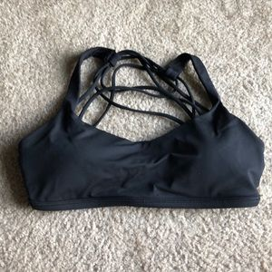{Lululemon} Size 6 Sports Bra